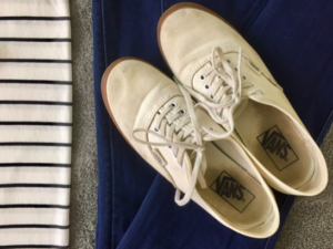 How to Pack Light Shoes