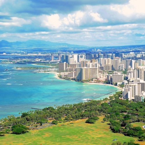 Waikiki hotels on beach easy hikes on Oahu
